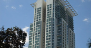 One Roxas Triangle – Unit for Lease
